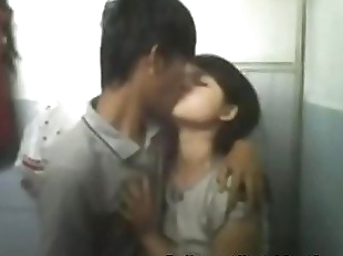 Indian Tribal girl Chuang Mow Getting fucked in..