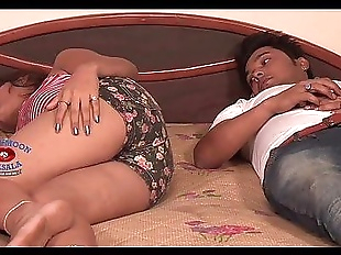 inclip.net - Hot Bhabhi Neha Romance - 8 min