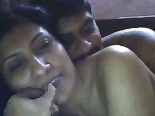 indian housewife having fun with boyfriend on..
